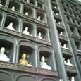 清大寺の大仏殿内